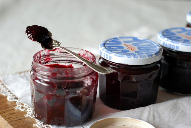 blackberryjam038 1 - Jammin' in My Kitchen with Blackberries, Raspberries and Tomatoes