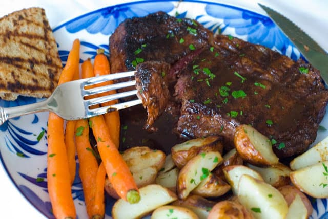 28 3 - Ancho Chile Rubbed Steaks with Cuban Sauce