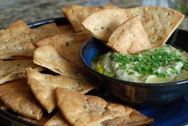 29 1 - White Bean Dip with Pita Chips