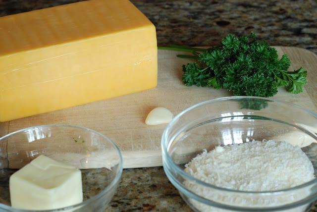 31 1 - Cheddar Cheese Rolls