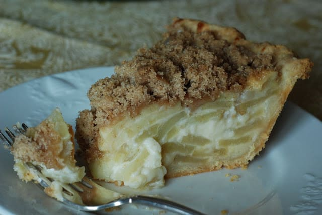 2 4 - Apple Sour Cream Pie