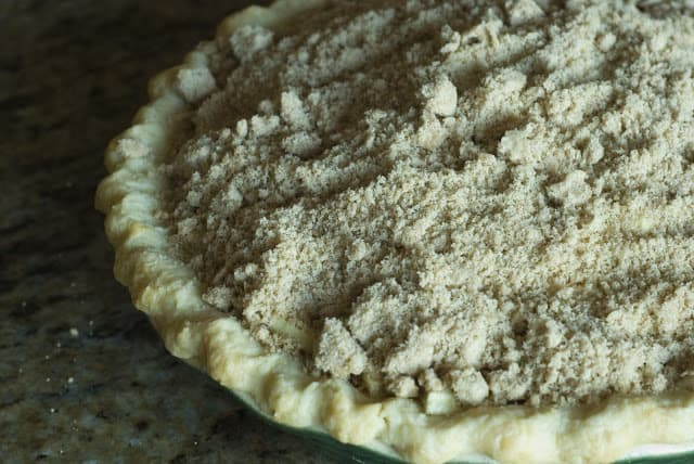 33 1 - Apple Sour Cream Pie