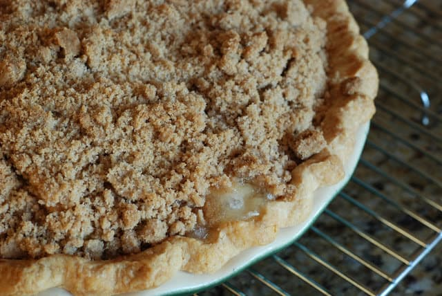 35 1 - Apple Sour Cream Pie