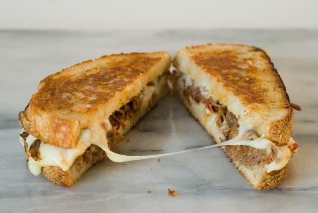 Itallian Beef Fontina - Italian Beef Fontina Sandwiches