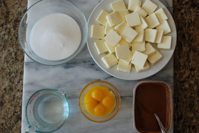 27 4 - Chocolate Cakes with Hazelnut Buttercream