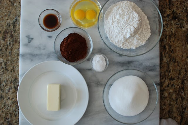 4 6 - Chocolate Cakes with Hazelnut Buttercream