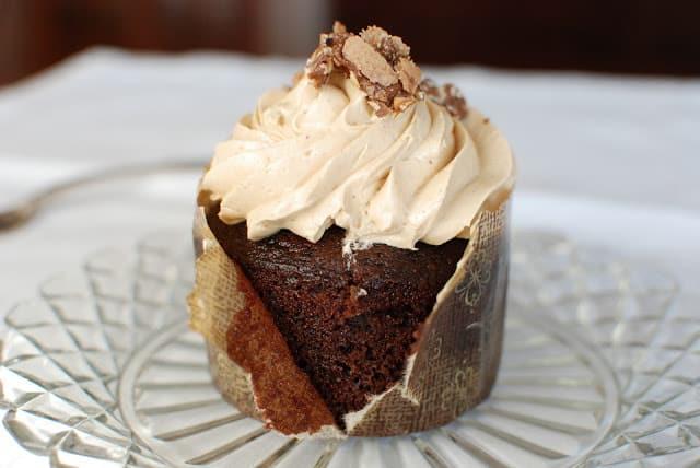 58 - Chocolate Cakes with Hazelnut Buttercream