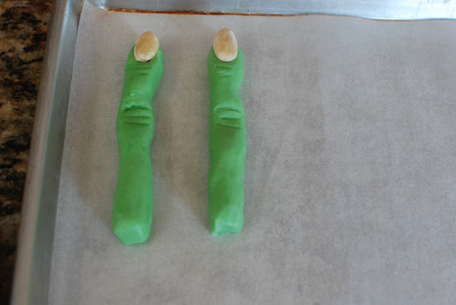 26 1 - Creepy Witch Finger Cookies
