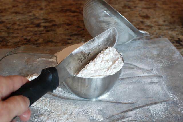 9 2 - Tiramisu Cake