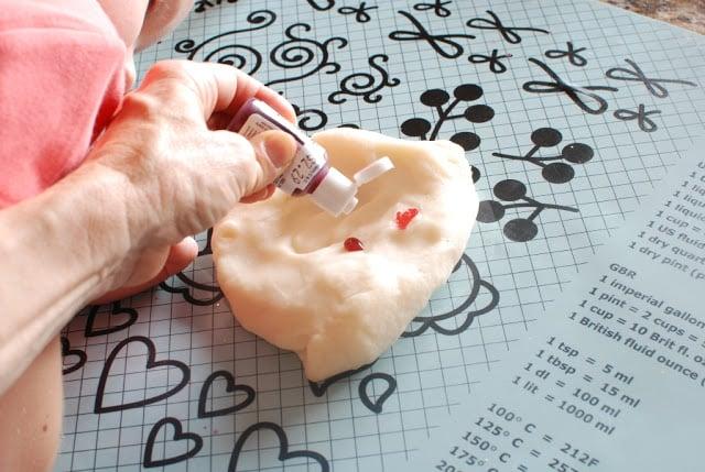 20 3 - Glitter Play Dough