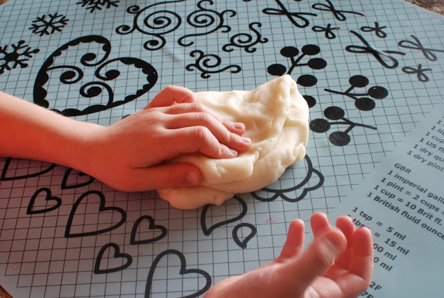 23 3 - Glitter Play Dough