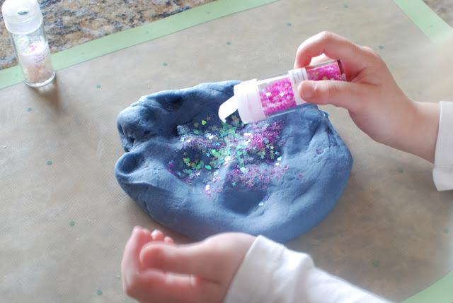 26 3 - Glitter Play Dough