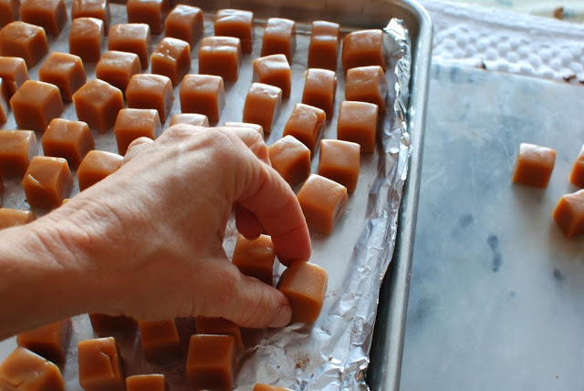 23 1 - Caramels, Hand Dipped Chocolates and Chocolates Giveaway