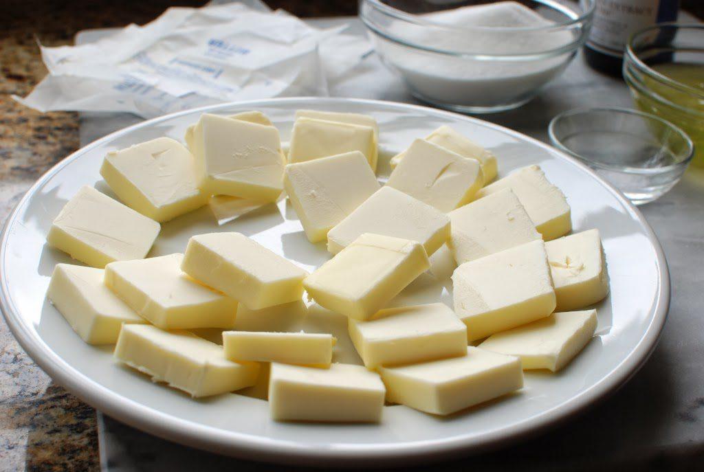5 5 1024x687 - Swiss Meringue Buttercream