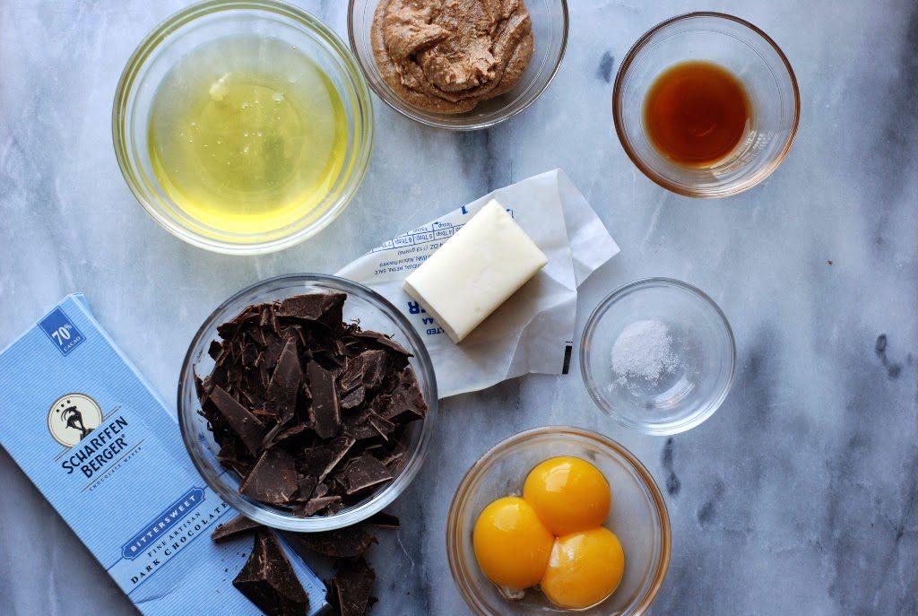 1 1024x687 - Chocolate Flourless Cakes