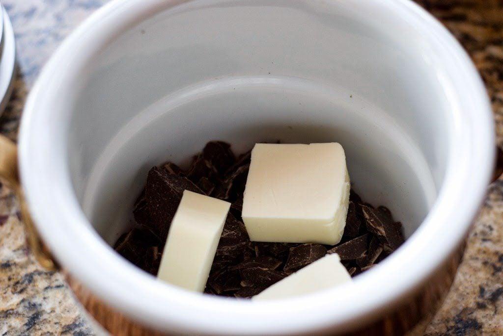 3 1024x685 - Chocolate Flourless Cakes