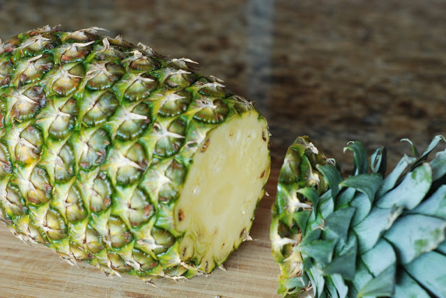 32 3 - How to Cut a Fresh PIneapple