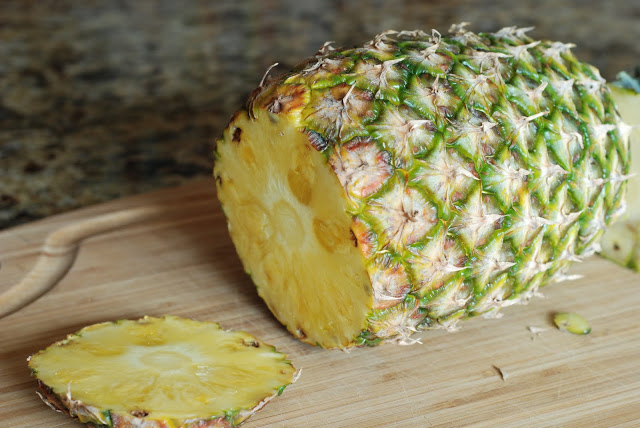 33 3 - How to Cut a Fresh PIneapple
