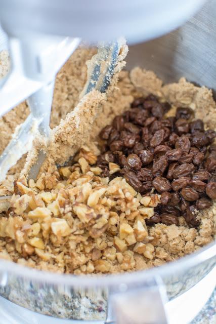 DSC 0072 - Old-Fashioned Oatmeal Raisin Cookies