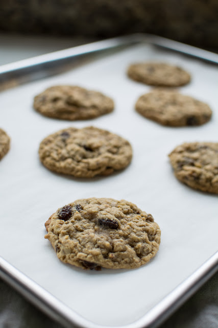 DSC 0083 - Old-Fashioned Oatmeal Raisin Cookies