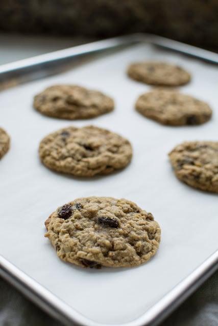 DSC 0083 - Old-Fashioned Oatmeal Raisin Cookies