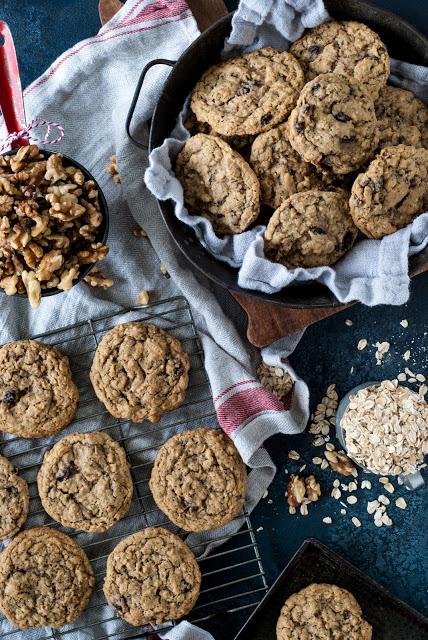 DSC 9281 - Old-Fashioned Oatmeal Raisin Cookies