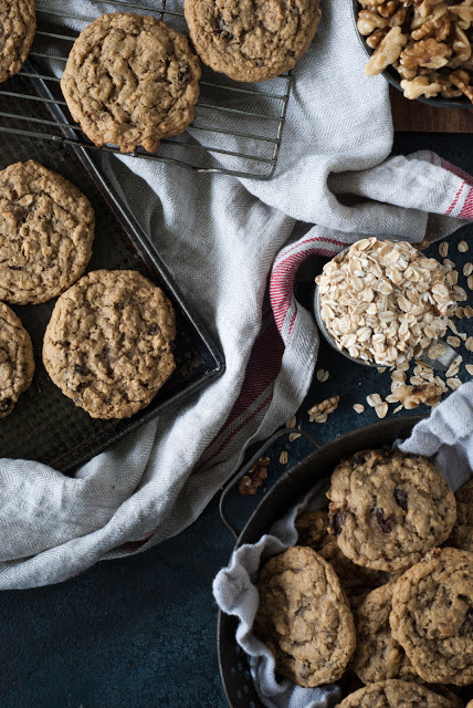DSC 9299 - Old-Fashioned Oatmeal Raisin Cookies
