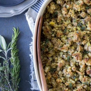 untitled 1 4 320x320 - Fresh Herb Turkey Stuffing