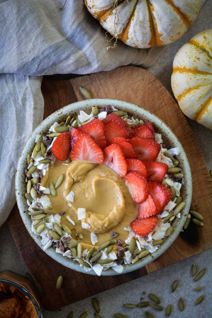DSC 0159 - Pumpkin Almond Butter Smoothie Bowl