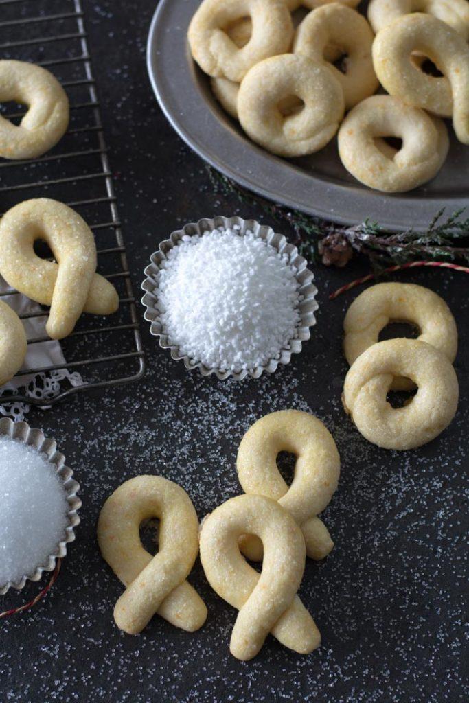 Norwegian berlinerkranser cookies with sugar sprinkles and platter