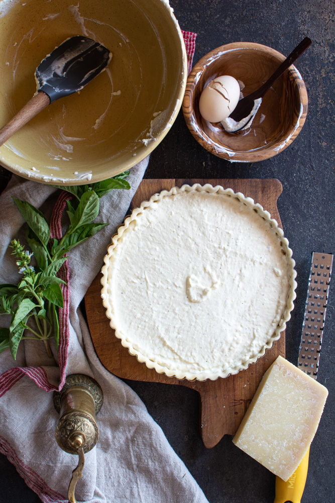 Tart filled with ricotta filling